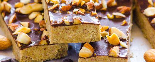 Homemade Almond Crunch Protein Bars